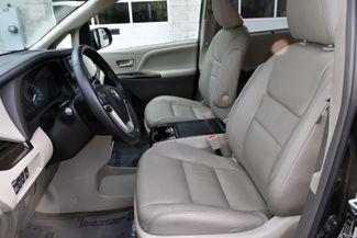 2017 Toyota Sienna XLE Premium Waterbury, Connecticut 12