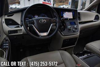 2017 Toyota Sienna XLE Premium Waterbury, Connecticut 14
