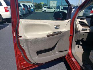 2017 Toyota Sienna Xle Wheelchair Van Handicap Ramp Van Pinellas Park, Florida 9