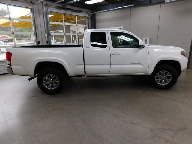 2017 Toyota Tacoma SR5 in Airport Motor Mile ( Metro Knoxville ), TN 37777