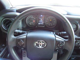 2017 Toyota Tacoma TRD Off Road Bend, Oregon 12