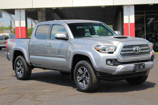 2017 Toyota Tacoma TRD Sport Double Cab 4x4 - NAVIGATION - TOW PKG! Mooresville , NC 22
