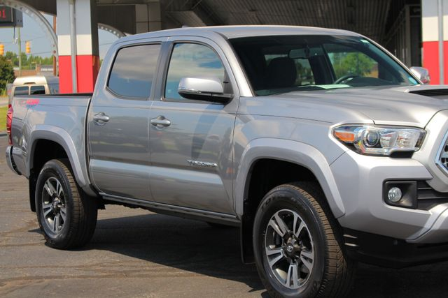 2017 Toyota Tacoma TRD Sport Double Cab 4x4 - NAVIGATION - TOW PKG! Mooresville , NC 26