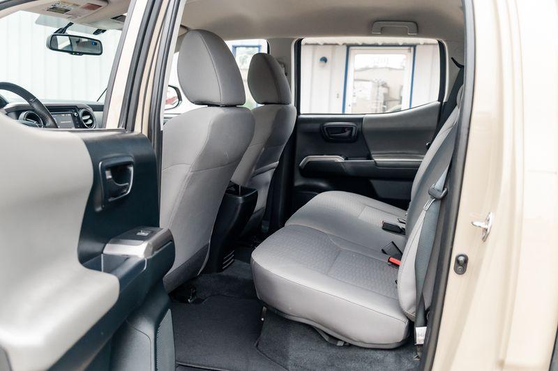 2017 Toyota Tacoma SR5 4X4 NAV AUTO CLEAN CARFAX 1 OWNER VERY NICE! in Rowlett, Texas