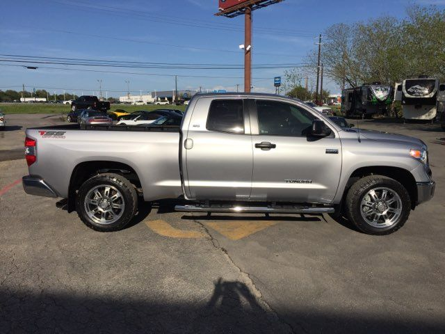 2017 Toyota Tundra 4x4 SR5 Boerne, Texas 0
