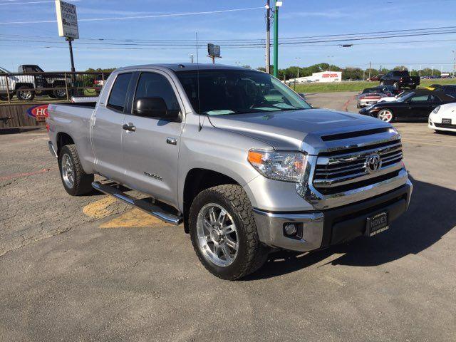 2017 Toyota Tundra 4x4 SR5 Boerne, Texas 1