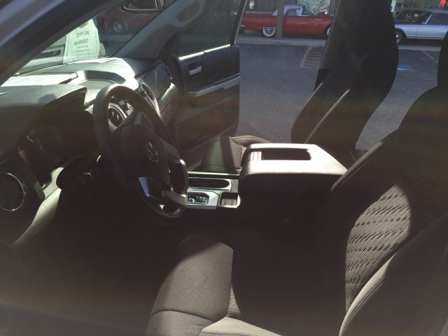 2017 Toyota Tundra 4x4 SR5 Boerne, Texas 14