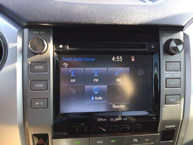 2017 Toyota Tundra 4x4 SR5 Boerne, Texas 24