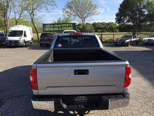 2017 Toyota Tundra 4x4 SR5 Boerne, Texas 7
