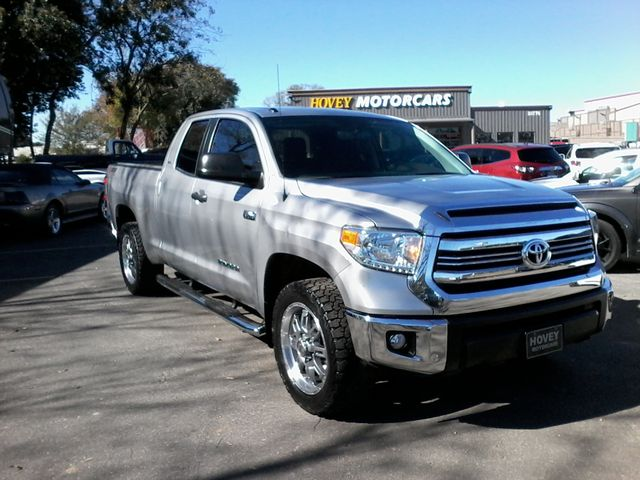 2017 Toyota Tundra 4x4 SR5 TSS PKG 4X4 Boerne, Texas 1
