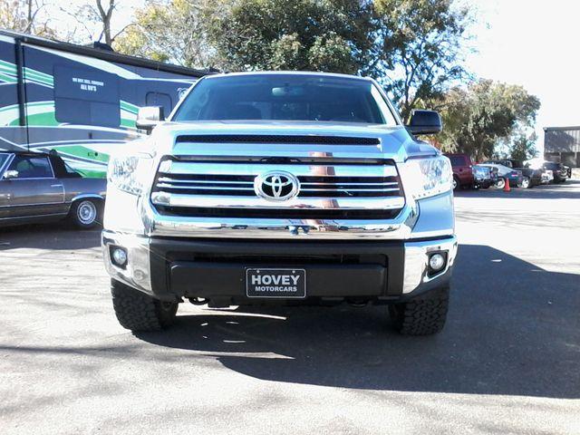 2017 Toyota Tundra 4x4 SR5 TSS  Off Road PKG 4X4 Boerne, Texas 10