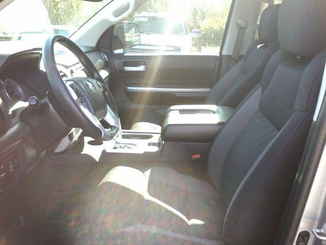 2017 Toyota Tundra 4x4 SR5 TSS PKG 4X4 Boerne, Texas 16