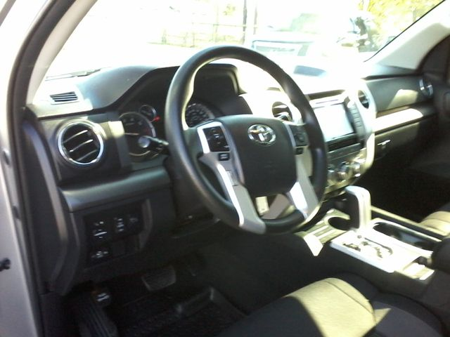2017 Toyota Tundra 4x4 SR5 TSS PKG 4X4 Boerne, Texas 22