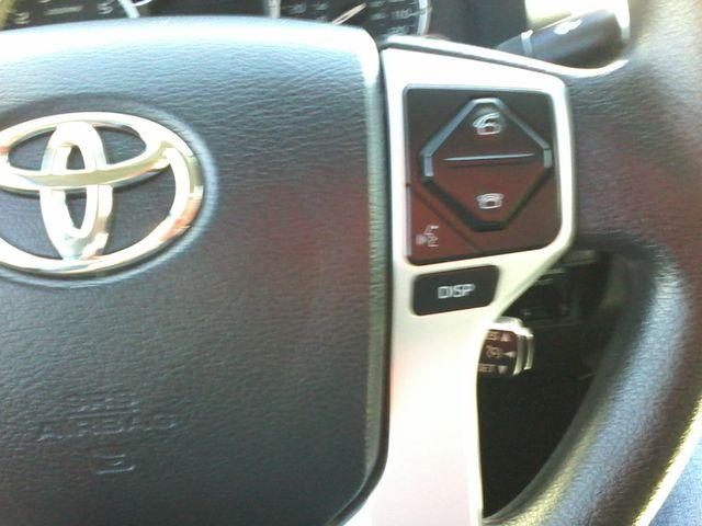 2017 Toyota Tundra 4x4 SR5 TSS PKG 4X4 Boerne, Texas 25