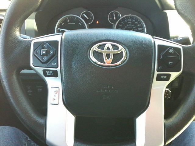 2017 Toyota Tundra 4x4 SR5 TSS  Off Road PKG 4X4 Boerne, Texas 23