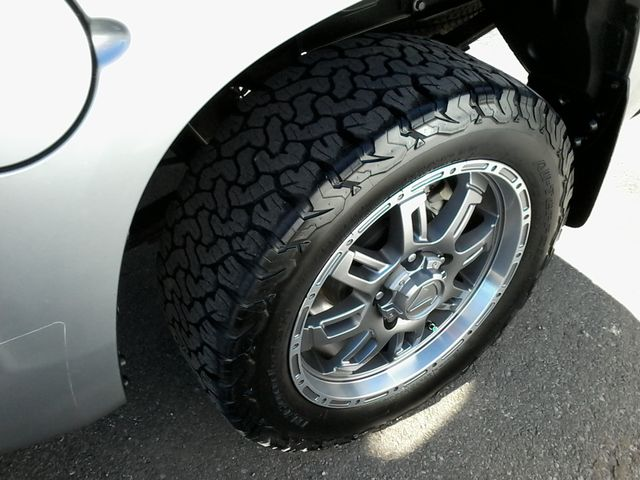 2017 Toyota Tundra 4x4 SR5 TSS  Off Road PKG 4X4 Boerne, Texas 37