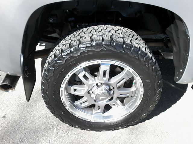 2017 Toyota Tundra 4x4 SR5 TSS  Off Road PKG 4X4 Boerne, Texas 38