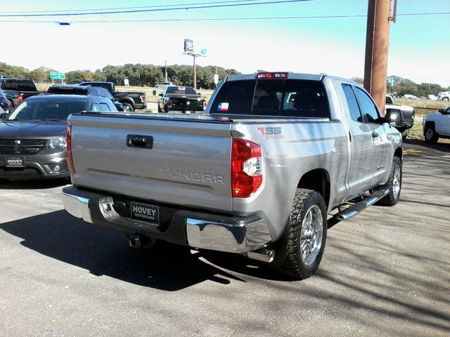 2017 Toyota Tundra 4x4 SR5 TSS  Off Road PKG 4X4 Boerne, Texas 7