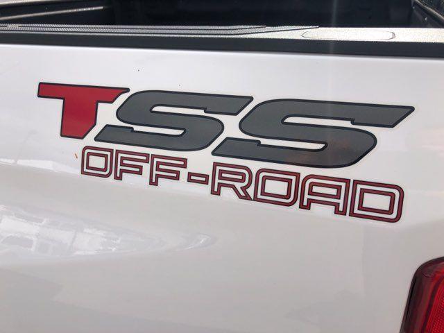 2017 Toyota Tundra 4X4 SR5 CREW MAX in Marble Falls, TX 78654