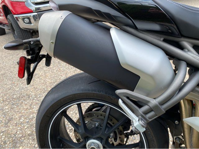 2017 Triumph Speed Triple S in McKinney, TX 75070