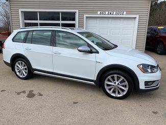 2017 Volkswagen Golf Alltrack SE in Clinton, IA 52732