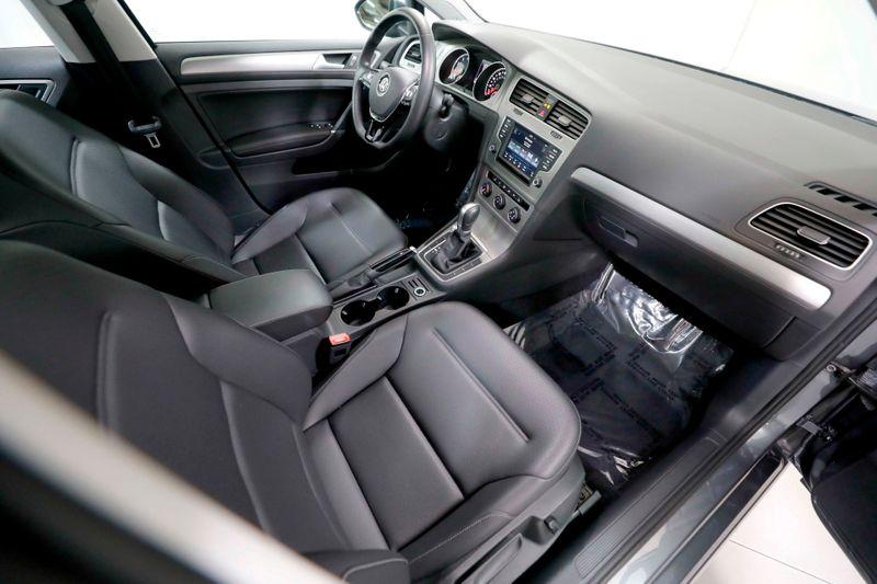 2017 Volkswagen Golf SportWagen SE - Back Up Cam - Sunroof - Heated Seats  city California  MDK International  in Los Angeles, California
