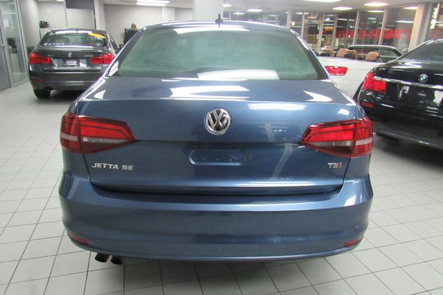 2017 Volkswagen Jetta 1.4T SE W/BACK UP CAM Chicago, Illinois 4
