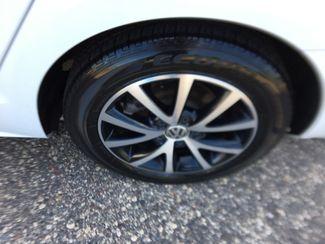 2017 Volkswagen Jetta 1.4T SE Farmington, MN 7