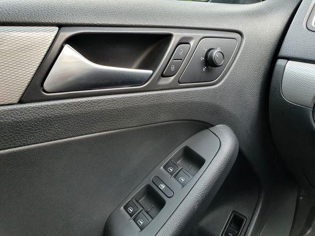 "2017 Volkswagen Jetta 1.4T SE Sunroof/ Heated Seats/ 6.3"" Touchscreen in Louisville, TN 37777"