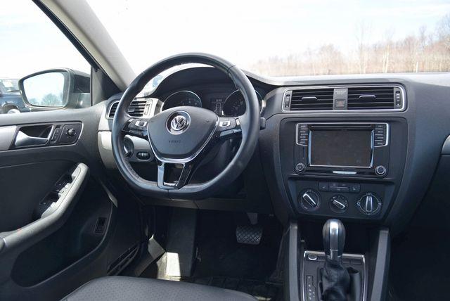 2017 Volkswagen Jetta 1.4T SE Naugatuck, Connecticut 13