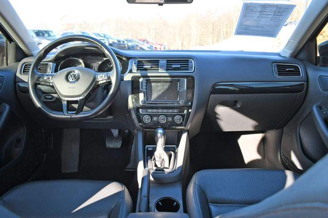 2017 Volkswagen Jetta 1.8T SEL Naugatuck, Connecticut 16