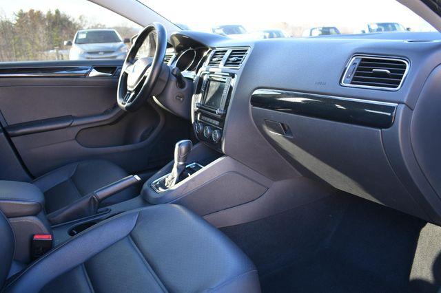 2017 Volkswagen Jetta 1.8T SEL Naugatuck, Connecticut 8