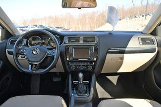 2017 Volkswagen Jetta 1.8T SEL Naugatuck, Connecticut 9
