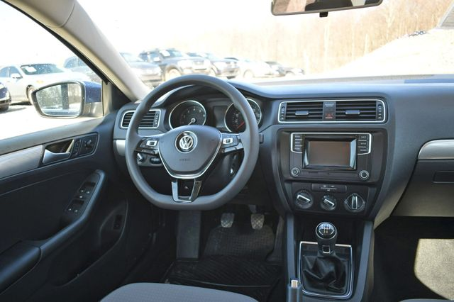 2017 Volkswagen Jetta 1.4T S Naugatuck, Connecticut 15