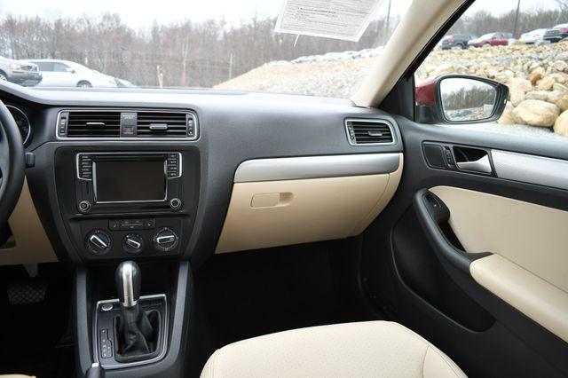 2017 Volkswagen Jetta 1.4T SE Naugatuck, Connecticut 17