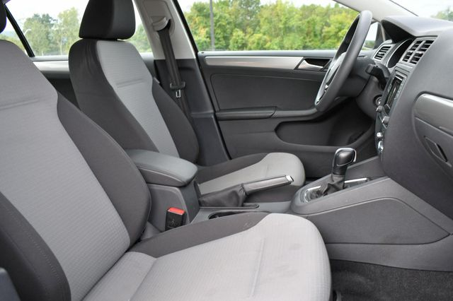 2017 Volkswagen Jetta 1.4T S Naugatuck, Connecticut 9
