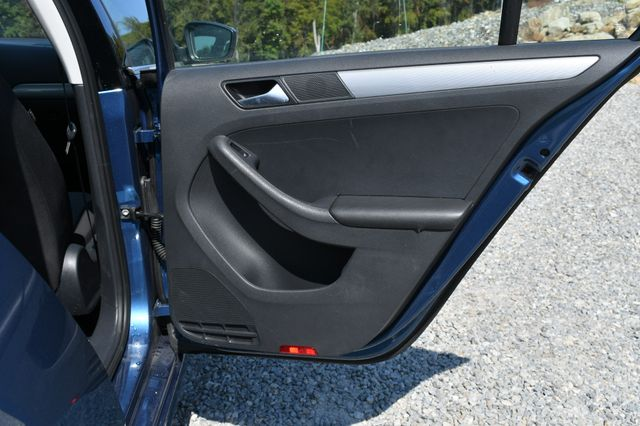 2017 Volkswagen Jetta 1.4T S Naugatuck, Connecticut 10