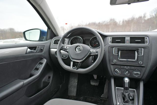 2017 Volkswagen Jetta 1.4T S Naugatuck, Connecticut 16
