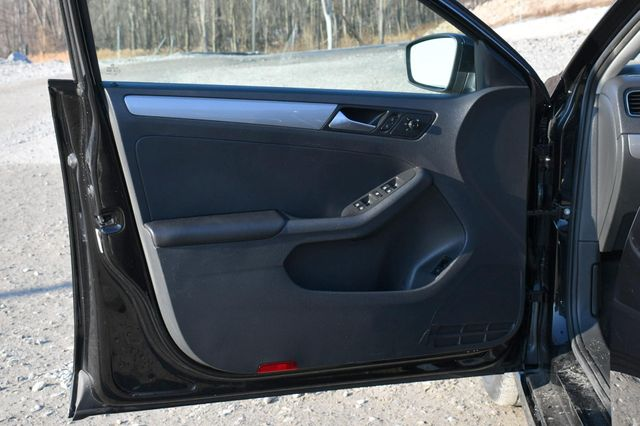 2017 Volkswagen Jetta 1.4T S Naugatuck, Connecticut 18
