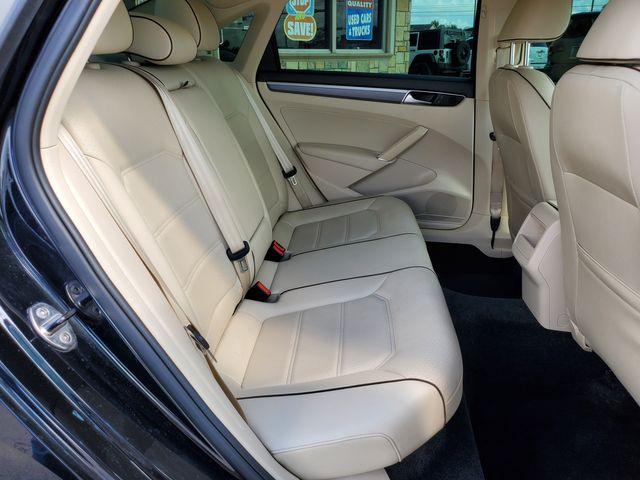 2017 Volkswagen Passat R-Line w/Comfort Pkg in Brownsville, TX 78521