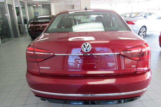 2017 Volkswagen Passat R-Line w/Comfort Pkg W/ BACK UP CAM Chicago, Illinois 4