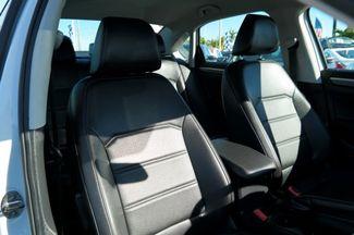 2017 Volkswagen Passat R-Line w/Comfort Pkg Hialeah, Florida 46