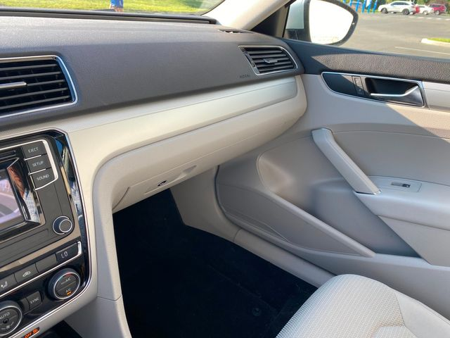 2017 Volkswagen Passat 1.8T S Latham, New York 11