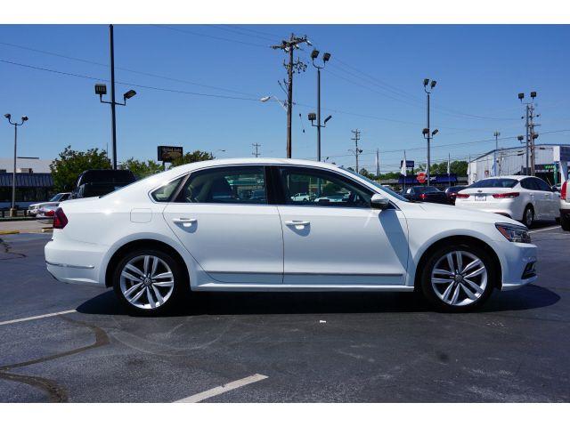 2017 Volkswagen Passat 1.8T SE w/Technology in Memphis, TN 38115