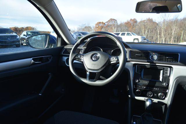 2017 Volkswagen Passat 1.8T S Naugatuck, Connecticut 15