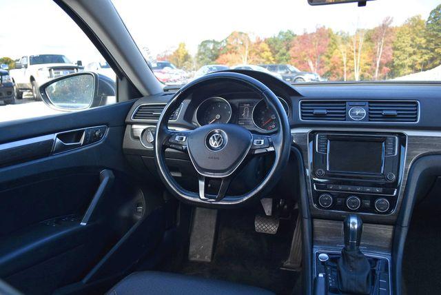 2017 Volkswagen Passat 1.8T SE Naugatuck, Connecticut 13
