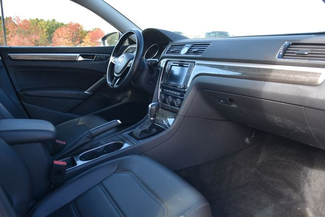 2017 Volkswagen Passat 1.8T SE Naugatuck, Connecticut 8
