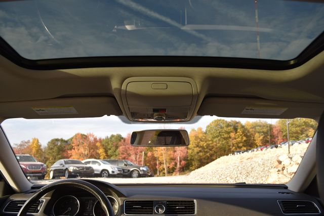 2017 Volkswagen Passat 1.8T SE Naugatuck, Connecticut 18