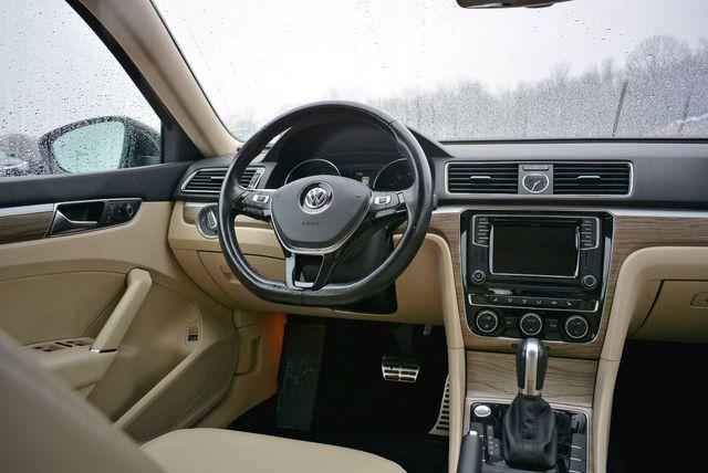 2017 Volkswagen Passat V6 SEL Premium Naugatuck, Connecticut 15