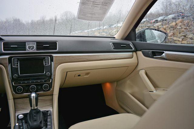 2017 Volkswagen Passat V6 SEL Premium Naugatuck, Connecticut 17
